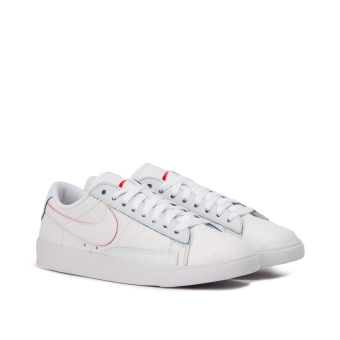 Nike Wmns Blazer Low We (AT5252-100) weiss