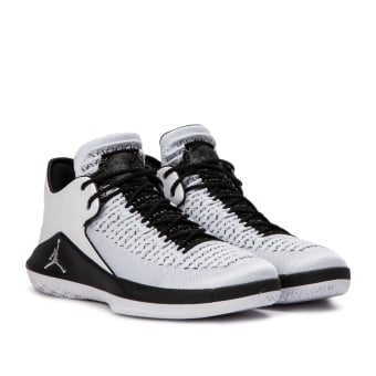 NIKE JORDAN Air XXXII Low (AA1256-102) weiss