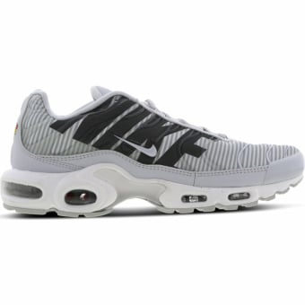Nike Air Max Plus TN SE AT0040 002