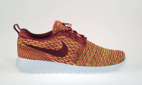 Nike Wmns Roshe One Flyknit (704927-600) rot