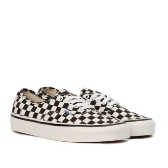 Vans Authentic 44 DX (VN0A38ENOAK) schwarz