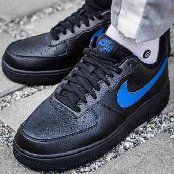 buy popular d6963 2cbd1 Nike Air Force 1 07 in schwarz - AA4083-003  everysize
