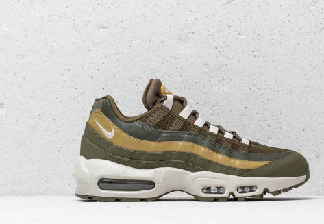 Nike Air Max 95 Essential (749766-303) grün