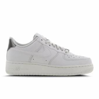 Nike Air Force 1 07 Essential (AO2132-003) weiss