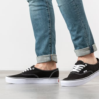 Vans Authentic Lite (VN0A2Z5J187) schwarz