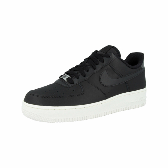 Nike Air Force 1 07 Essential (AO2132004) schwarz