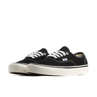 Vans Authentic 44 DX (VN0A38ENMR21) schwarz