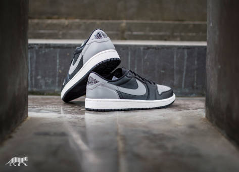 Nike Air Jordan 1 Retro Low OG (705329 003) schwarz