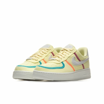 Nike Wmns Air Force 1 07 LX (CK6572-700) gelb