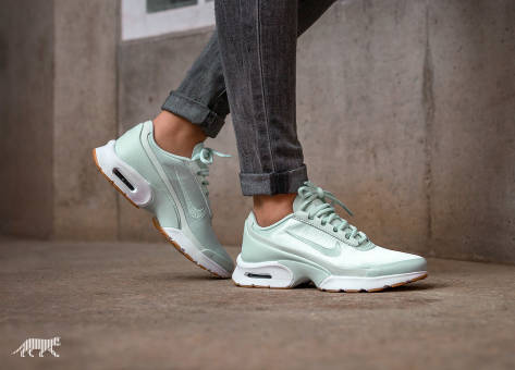 Nike Air Max Jewell QS (919485-300) grün