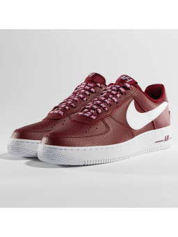 Nike Air Force 1 07 lv8 (823511-605) rot