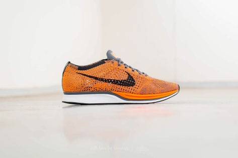 Nike Flyknit Racer (526628 810) orange