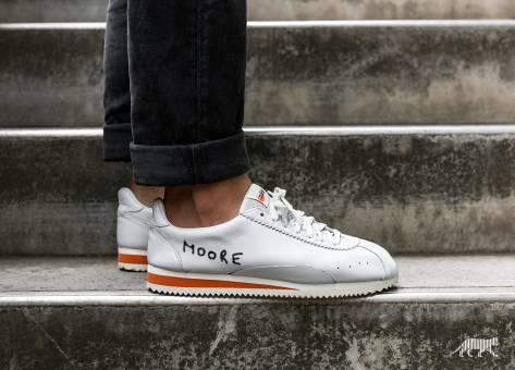 Nike Classic Cortez Kenny Moore QS (943088100) weiss