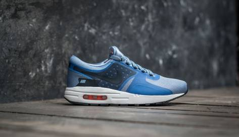 Nike Air Max Zero Essential (881224-400) blau