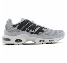 a2b927834e2 Nike Air Max Plus TN SE in bunt - AV7021-001