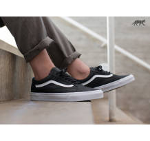 Vans Old Skool Premium Leather Sneaker (VA38G1II7)