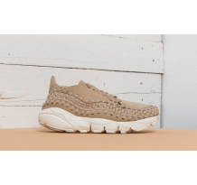 Nike Wmns Air Footscape Woven Sneaker (917698-200)
