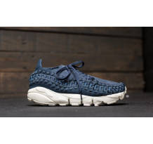 Nike Air Footscape Woven Sneaker (917698-400)