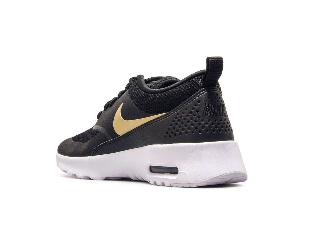 By Photo Congress    Nike Air Max Black And Gold Thea