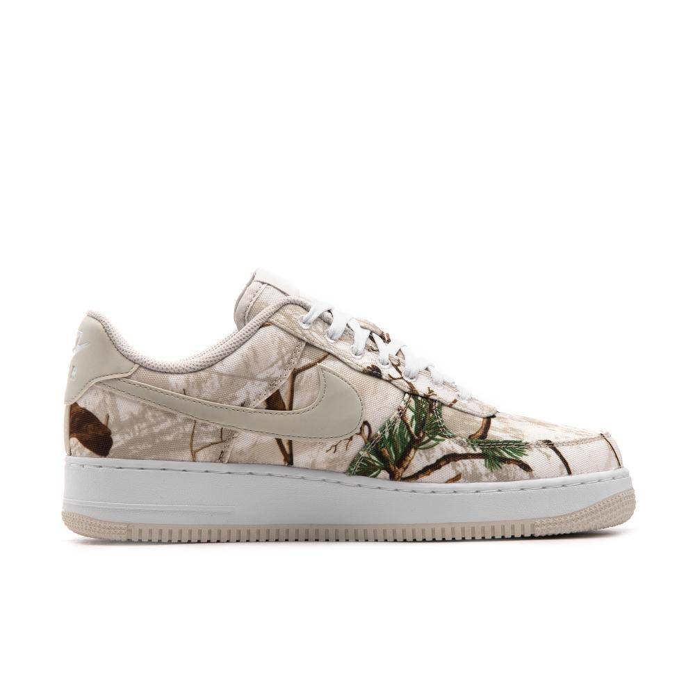 huge discount 38e97 1dc3d Nike Air Force 1 07 LV8 3 in weiss - AO2441-100   everysize
